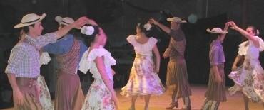 Danzas en Villa Elisa