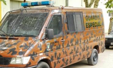 MOVIL PARA GRUPO ESPECIAL POLICIA DE COLON.