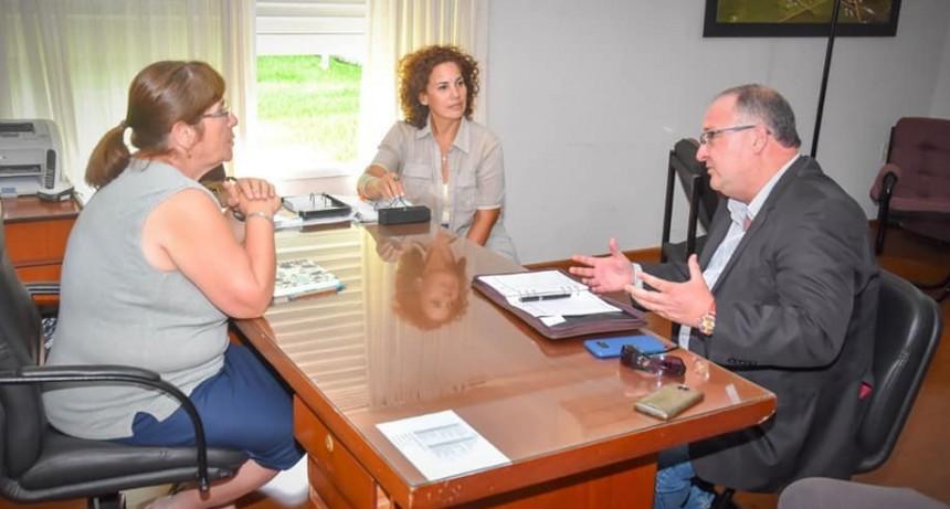 La Intendente Susana Lambert recibió al Senador Mauricio Santa Cruz.