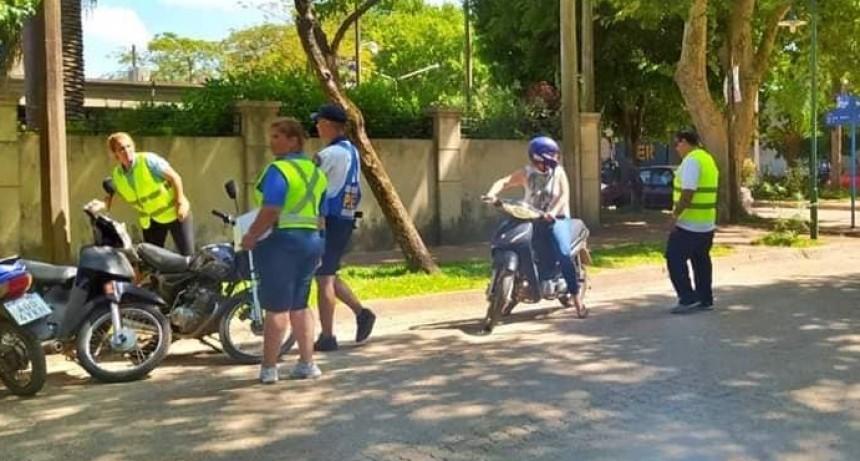 COLON A PLENO CON LOS CONTROLES A MOTOCICLISTAS.