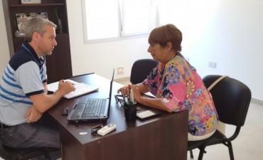 REUNION SENADOR CANALI Y  DIRECTORA DE ESCUELAS MARIELA SERPA.