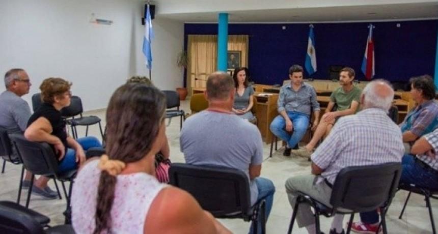 El Intendente Bastián se reunió con productores de la ciudad.