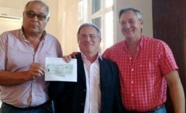 CLUB DEPRO RECIBIO APORTE PARA POLIDEPORTIVO.