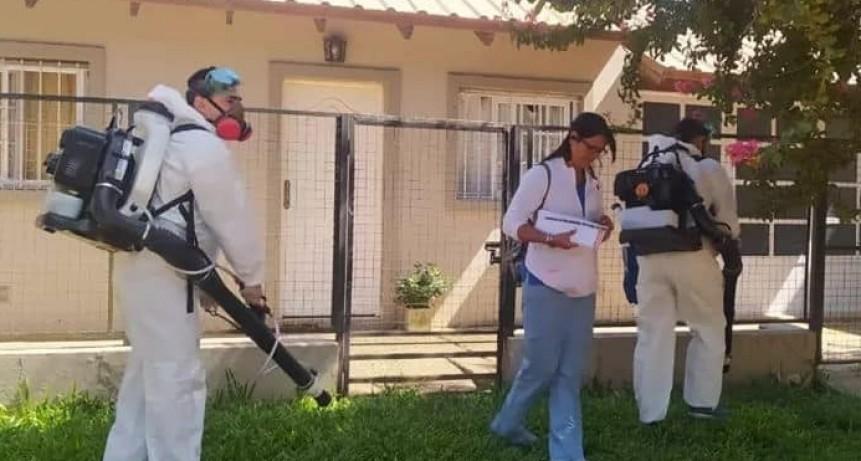 COLON PERSONAL DE SALUD DE LA PCIA Y MUNICIPIO RECORREN DISTINTOS BARRIOS.