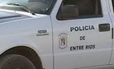 MOVIL POLICIAL VOLCO EN RUTA 14.