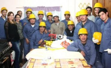 CURSO Y INSTALACION DE GAS ESCUELA 53.