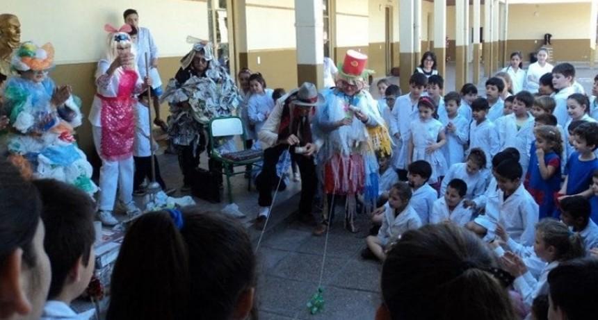 """Grupo Municipal de Teatro de la Tercera Edad """"Quimera"""","""
