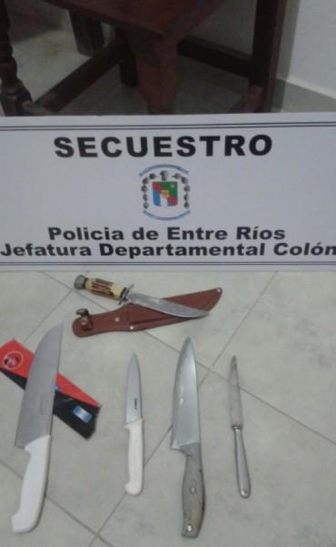 EL BRILLANTE-SAN JOSÉ: ALLANAMIENTO POR VIOLENCIA DE GÉNERO Y SECUESTRO DE ARMAS BLANCAS: