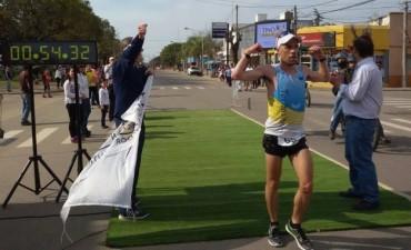 SAN SALVADOR:  NICOLAS TERNAVASIO GANÓ LA  XVII MARATÓN DE ESA CIUDAD: