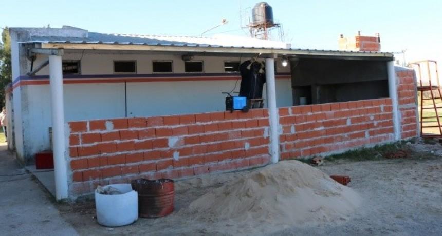CONSTRUCCIÓN SALÓN EN EL POLIDEPORTIVO.
