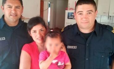 COLON POLICIAS REANIMAN NIÑA Y LA SALVAN.