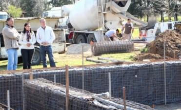 CONSTRUCCION PILETA MUNICIPAL EN EL POLIDEPORTIVO.