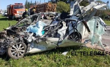 FALLECEN TRES ARGENTINOS EN TRAGEDIA VIAL EN R.O.URUGUAY.