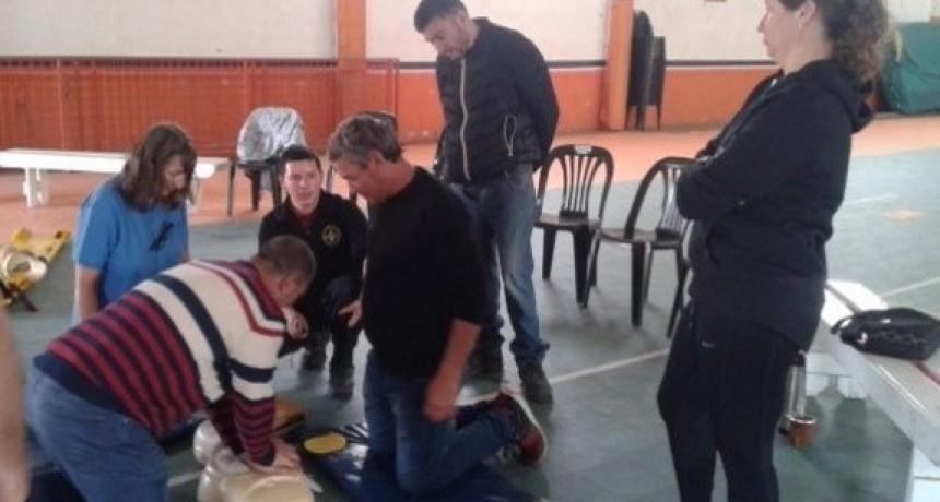 CAPACITACIÓN EN RCP POLIDEPORTIVO.