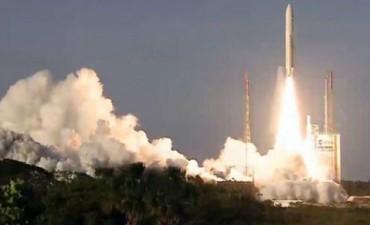 EL ARSAT-2 VIAJA A SU DESTINO.