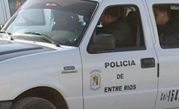 POLICIALES EN COLON.