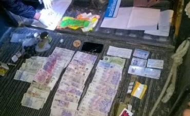 OPERATIVO POLICIAL SECUESTRAN DROGAS EN PUEBLO LIEBIG.